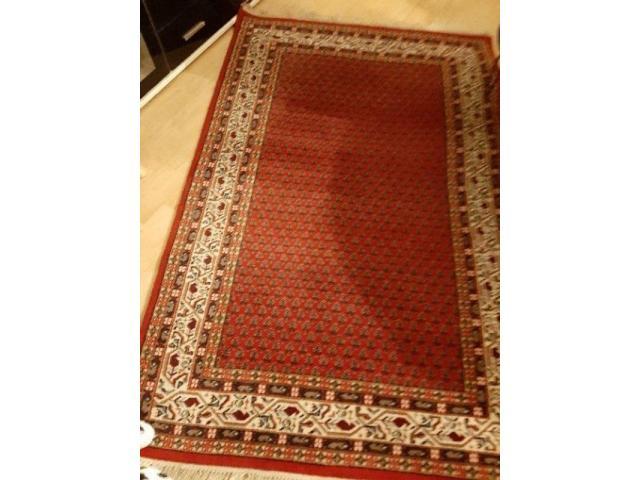 Schöner Teppich 120 cm x 190 cm