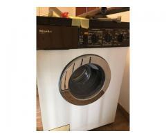 Zu Verschenken: Miele Waschmaschine 20 Jahre voll funktionsfähig